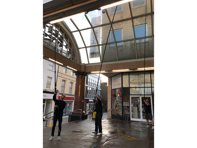 Commercial Window Cleaning Company Redhill